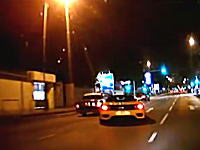 これは酷い。フェラーリがタクシーに当て逃げしてさらに酷い事にwwwww