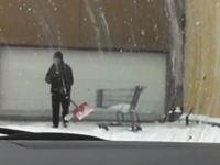この除雪をしている人の仕事が雑すぎるwなんだ不貞腐れてんのか?動画