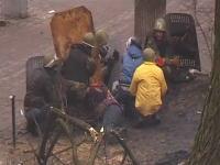 ウクライナ内戦でネットに続々とあげられる動画がヤバイ。人が狙撃されまくってる。