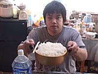 爆食い。YouTubeにアップされた林秀紀(素人)さんの大食いビデオがヤバいww