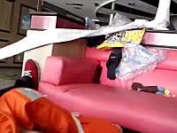 韓国沈没でほぼ真横状態まで傾いた船内の様子を撮影したビデオが怖すぎる。