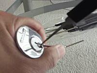 鍵の仕組みとピッキングのやり方。しくみを理解すると意外に簡単かも動画。