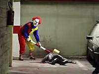 まじホラー映画。殺人ピエロのブラックすぎるドッキリ。これは小便漏らすわwww