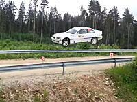 ラリードライバーってやっぱすげえ!大ジャンプ後も平然と曲がっていくBMW M3