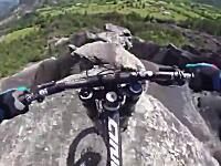 これは玉ヒュン動画。マジキチMTBフリーライダーの岩山ダウンヒルがすごい。