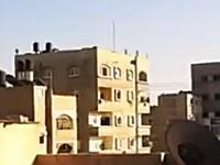 生音。ガザ地区の建物にミサイルが撃ち込まれる瞬間。最上階が吹き飛んだ