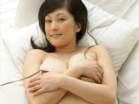 山田誉子 巨乳手ブラを終始下から