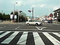 高知県でありえない運転ドラレコ。右折かと思わせておいてUターン!?実はQでした。