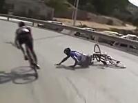 自転車ロードレースの転倒シーンから後輪にモーターが仕込まれているんじゃないかと疑惑がでているらしい。