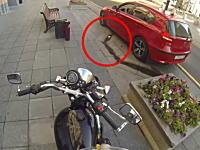 ポイ捨てを許さない隊のバイクのお姉さんが強すぎる動画。これはGJw