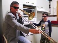 かっけえwキッチンでイケてるTbnお父さんと息子の15秒動画が大人気に。