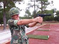 ブキブキ動画。拳銃型ロケット砲「ジャイロジェット・ピストル」の発射映像。