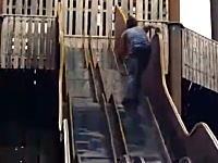 使用禁止にはわけがあるwww閉鎖された滑り台で遊ぼうとした男がww