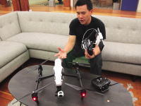 DJIの新しい空撮ドローンDJI INSPIRE 1が凄そう動画。脚がトランスフォームして360度の視界を確保。操縦もさらに簡単に。