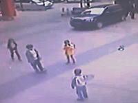ちょw爆発しすぎ。中国のマンホール爆破遊びが危険すぎる。