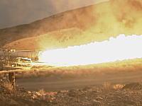 NASAが次世代のロケットエンジンの燃焼テストを行う動画。スペース・ローンチ・システム