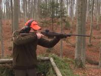ドイツの凄腕ハンターによるイノシシ殺りまくり動画。sauer202スナイパーライフル