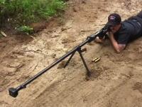すごい反動。旧ソ連の巨大な対戦車ライフル「PTRD-41」を撃ってみた動画。