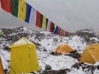 ネパール大地震でエベレストのベースキャンプを襲った雪崩の映像が公開される。雪崩ってこんなにデカいのか