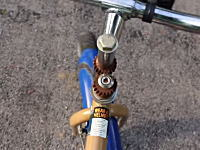 ハンドルとタイヤの向きを逆にするだけで難易度激高の自転車が完成するらしい。