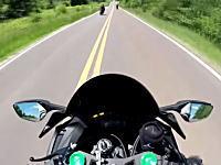 超速のライダー死にかける。超速で追い越してったバイクがログアウトして大変な事に。