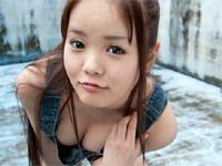 水城サラ DVD「サラサラ巨乳」より、豊満バストを魅せるダイジェスト