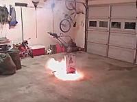 打ち上げ花火を室内でやってみたかったw最初の「ひゅ〜ん」でw