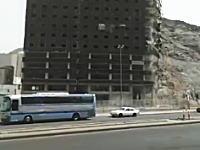 建設中のビルが突然真っ二つに割れて崩壊したらしいwえええええw
