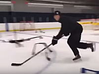 なんか知らんけどスゲエwプロのアイスホッケー選手のスティックさばきが凄い動画。