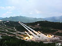 2015米韓合同軍事演習の映像。統合ミサイル発射訓練スンジン訓練場にて。