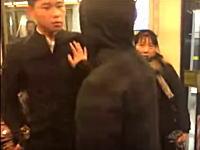 カンフーの使い手に喧嘩を売ってはいけない。電車内でオラオラしていた兄ちゃんがw