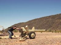 お馬鹿な実験。最新の5kディスブレイiMacを90mm砲で撃ちぬいてみた動画。