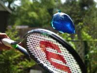 スロモGの最新作。ゼリーをテニスラケットで撃つとどうなるの?動画が大ヒット中。